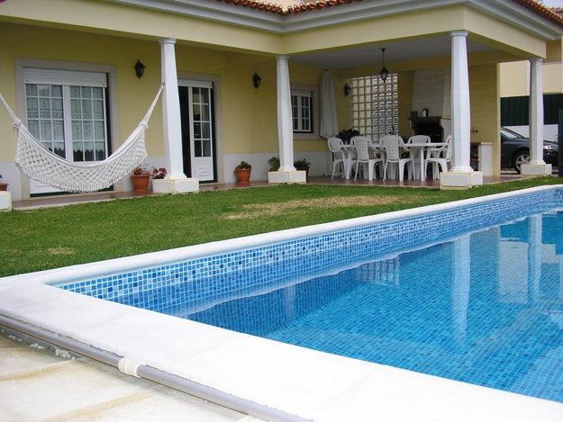 Casa de campo com piscina for Piscinas de casas modernas