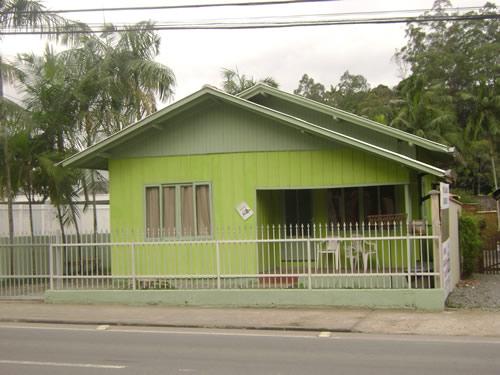 Como pintar casa de madeira cores e pinturas - Como pintar fachadas de casas ...