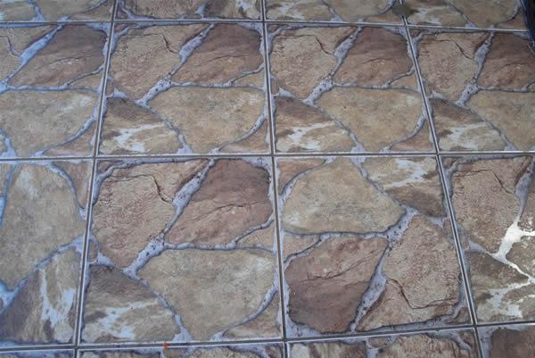 Piso antiderrapante para banheiro quintal e revestimento for Pisos ceramicos externos