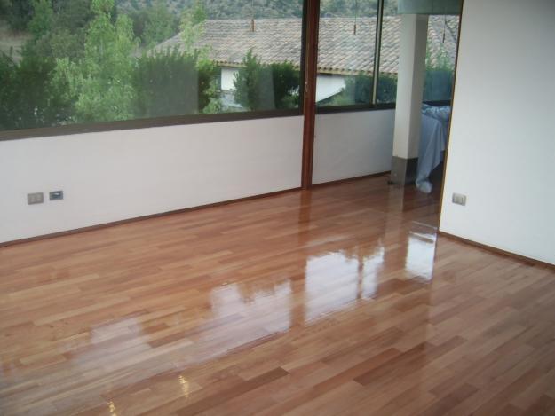 Pisos de cer mica madeira porcelanato e laminado for Modelos de losetas para pisos