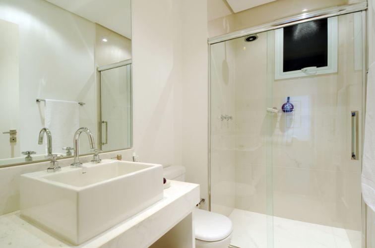 porcelanato-branco-para-banheiro-5