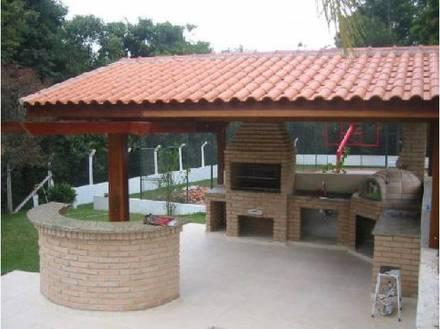 Telhado colonial churrasqueira