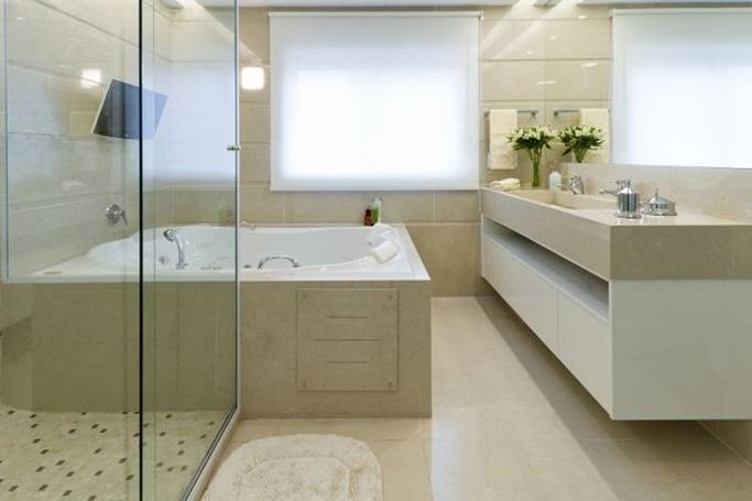 Piso laminado para banheiro for Piso rustico moderno