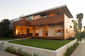 Casa com Fachada de Madeira